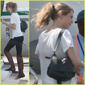 Taylor Swift: Turks & Caicos Christmas Eve!