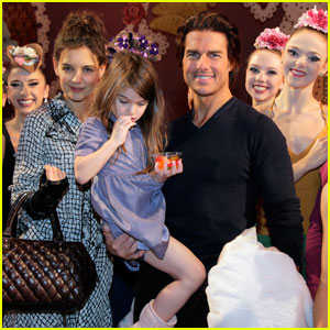Katie Holmes & Tom Cruise: 'Nutcracker' with Suri!
