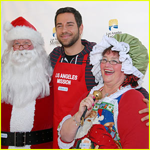 Zachary Levi Serves Up Christmas Dinners