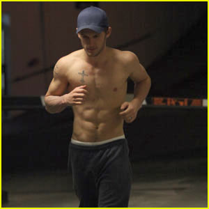 Bad Boy Alex Pettyfer: 'I Am Number Four' Shirtless Run!