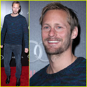 Alexander Skarsgard Repeats Sweater at Golden Globes Party!