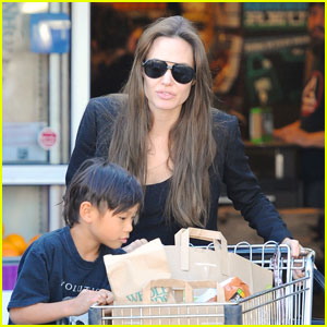 Angelina Jolie: Whole Foods Fun with Pax!