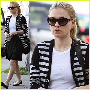Anna Paquin: Kate Somerville Salon Visit