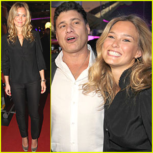 Bar Refaeli: 'Session' Screening!