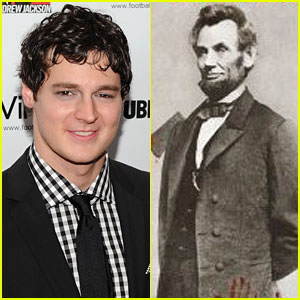 Benjamin Walker is Abraham Lincoln in 'Vampire Hunter'