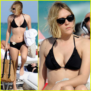 Chloe Sevigny: Black Bikini Babe!