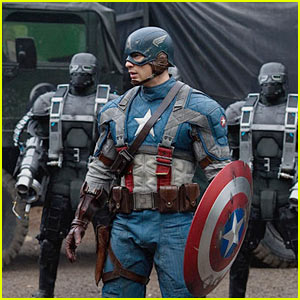 Chris Evans: Costumed Captain America!