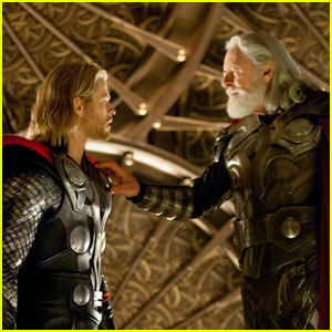Chris Hemsworth: More 'Thor' Stills!