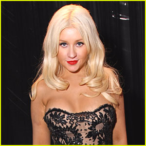 Christina Aguilera: Singing National Anthem at the Super Bowl!