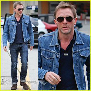 94e6b9f37 Daniel Craig: Denim Jacket Dude | Daniel Craig : Just Jared