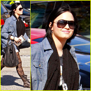 Demi Lovato: Treatment Center Session