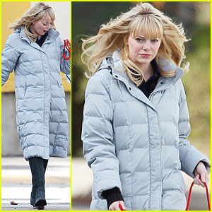 Emma Stone Walks The Dog on Spider-Man Set