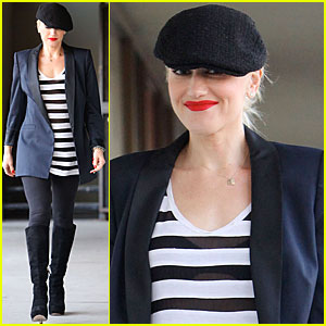 Gwen Stefani: Recording Studio with Tony Kanal!