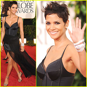 Halle Berry - Golden Globes 2011 Red Carpet