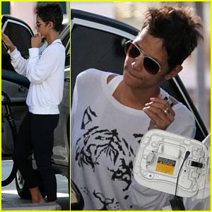 Halle Berry: Gas Pump Gal!