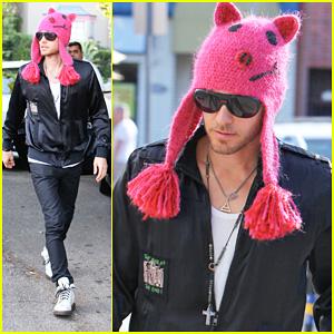 Jared Leto Rocks Pink Pig Beanie!