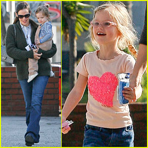 Jennifer Garner: Doctor's Visit for Violet & Seraphina