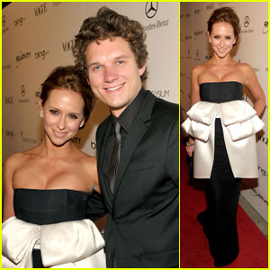 Jennifer Love Hewitt: Art of Elysium Gala with Alex Beh!