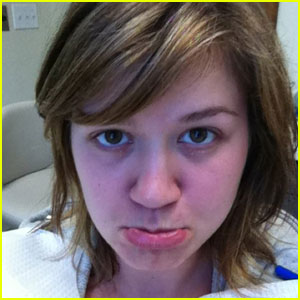 Kelly Clarkson: Emergency Root Canal!