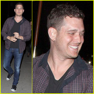 Michael Bublé Keeps It Casual