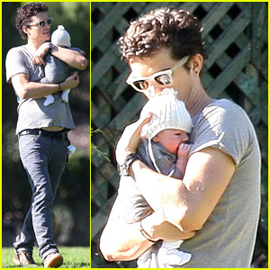 Orlando Bloom: Walk in the Park with Baby Flynn!