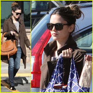Rachel Bilson: Reusable Bag Lady