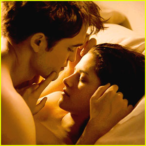 Robert Pattinson & Kristen Stewart: 'Breaking Dawn' Wedding Night Pic!