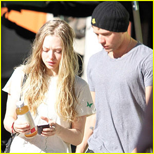 Ryan Phillippe & Amanda Seyfried: Loz Feliz Visit!