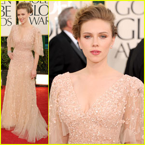 Scarlett Johansson - Golden Globes 2011 Red Carpet