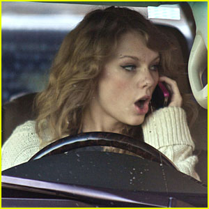 Taylor Swift: Phone Call &#038; Coffee Break!