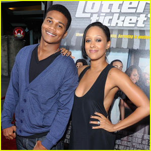 Tia Mowry: Expecting a Baby!