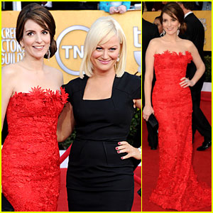 Tina Fey & Amy Poehler - SAG Awards 2011 Red Carpet