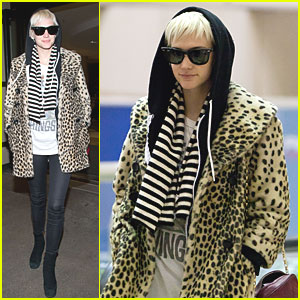 Ashlee Simpson: Leopard Print at LAX