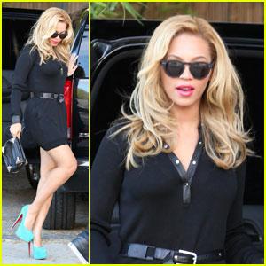Beyonce Teeters in Turquoise Heels Beyonce Knowles Just Jared