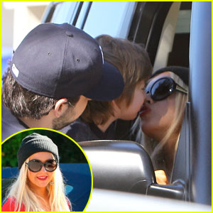 Christina Aguilera: Goodbye Kiss with Max!