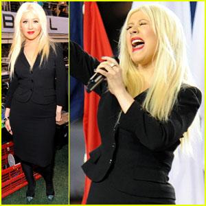Christina Aguilera: National Anthem at Super Bowl XLV!