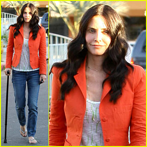 Courteney Cox: 'Cougar' with a Cane!