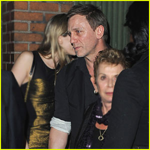Daniel Craig: Valentine's Day at The Box with Rachel Weisz!