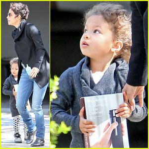 Halle Berry & Nahla Give a Gift