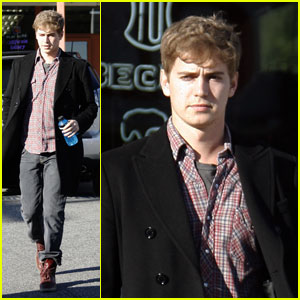 Hayden Christensen Stops for a Sports Drink