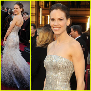 Hilary Swank - Oscars 2011 Red Carpet