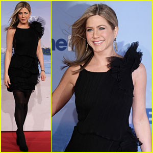Jennifer Aniston: 'Just Go With It' German Premiere!
