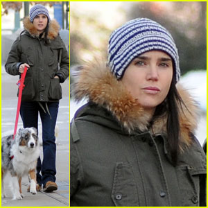 Jennifer Connelly: Baby Bump Brave