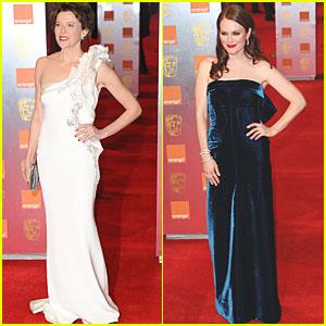 Julianne Moore & Annette Bening: BAFTAs 2011 Red Carpet