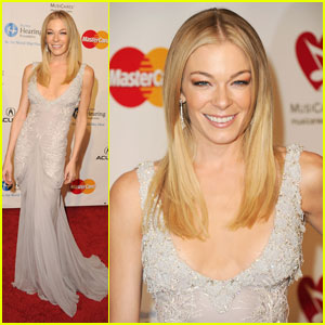 LeAnn Rimes: MusiCares Person of the Year Tribute!