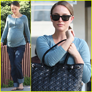 Natalie Portman's Baby Bump: Back to Square On