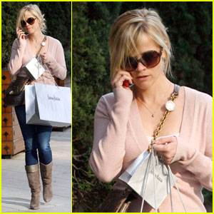 Reese Witherspoon Shops & Talks