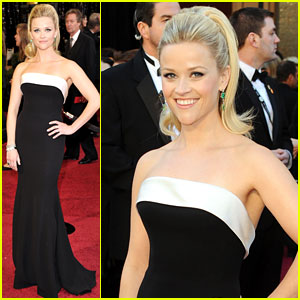 Reese Witherspoon - Oscars 2011 Red Carpet