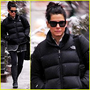 Sandra Bullock Braves the NYC Snowstorm