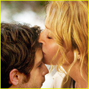Uma Thurman & Michael Angarano: 'Ceremony' Trailer!